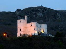 Ty'r Graig Castle