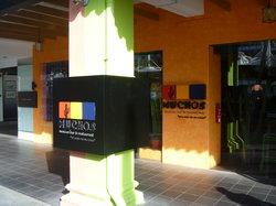 Muchos Mexican Bar & Restaurant