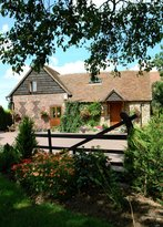 Tudor Barn Farmhouse Bed & Breakfast