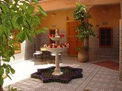 Riad Dar Kaotar Guest House