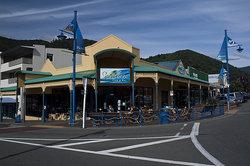 Seabreeze Cafe & Bar