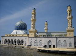 The city mosque (30775199)