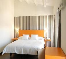 Cienbalcones Hotel