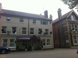 Donnington House Hotel