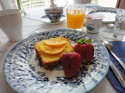 breakfast..I love their fresh orange juice!