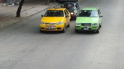 taxi amarillo, remis verde