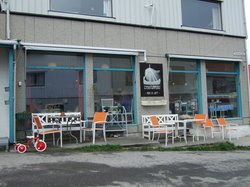 Henningsvær Lysstoperi & Cafe