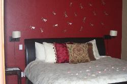 Beautiful decor!! (In bedroom)