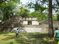 Discovery Expeditions Belize Day Tours