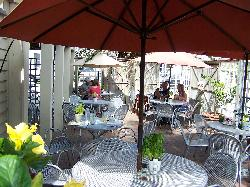 Outdoor dining at Mosquito Cafe