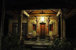 l'entrée de la villa
