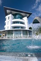 蓝光套房酒店