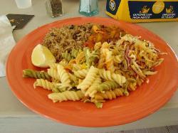 Maui maui, slaw, pasta salad, red beans & rice