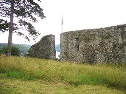 Les Ruines Medievales de Poilvache
