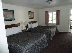 Standard 2-queens room