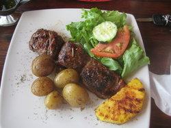 Restaurante BBQ Tres Hermanas