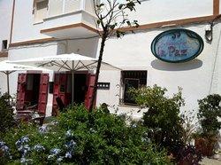 La Paz Cafe Restaurante