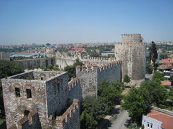 ‪Yedikule (Castle of the Seven Towers)‬