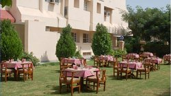 Hotel Rajwara Palace