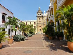 Tour in Cartagena with Marelvy Pena-Hall