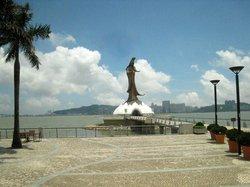 Kun Iam Statue