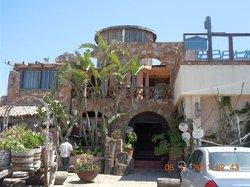 Los Pelicanos Restaurant & Bar