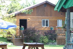 Glacier Bed & Breakfast & Log Cabins