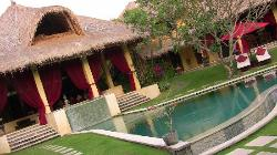 """la piscine privative de """"maison rouge"""""""