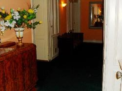 Dans les couloirs de l'hôtel Splendid.