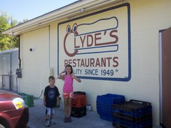 Clyde's Drive-In