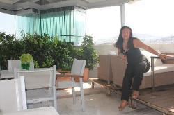 Dorian Inn -terraza-bar.