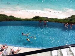 Infinity pool for Club Suites