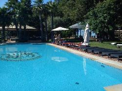 piscina panoramica ben curata