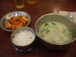 Sinseon Seolleongtang Myeongdong
