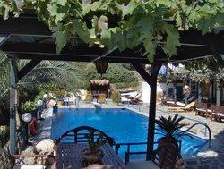 Villa Rena Apartments