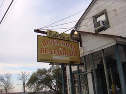 Roberto's River Road Restaurant