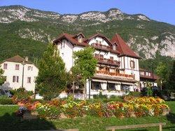 Logis La Villa du Lac Hotel