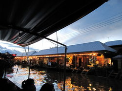 Rose Garden & Amphawa Floating Market One Day Tours - Space Bus