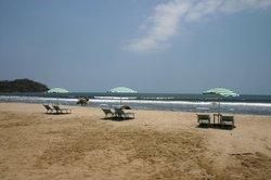 Junto al Rio Beachfront Bungalows and Suites