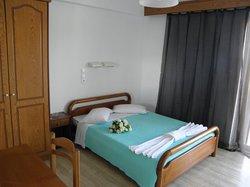San Stefanos Hotel Rooms, Studios & Villas