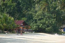 Restaurant mit Terrasse direkt am schönen Strand