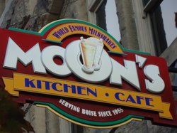 Moon's Kitchen Cafe