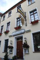 Zur Traube Hotel-Gasthaus-Sommergarten