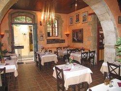 Larenzo Taverna