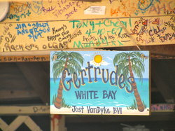 Gertrudes Beach BAr