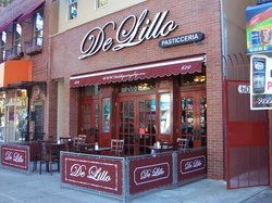 De Lillo Pastry Shop