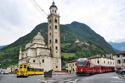 Il Trenino Giallo ed il Trenino Rosso (UNESCO) alla Basilica di Madonna di Tirano