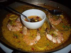 Paella marinara for four (RM 118), with mussels, squid, prawns, clams and halibut in rich seafoo