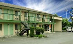Sunrise Motor Inn