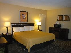 Howard Johnson Inn and Suites Vallejo/Near Discovery Kingdom